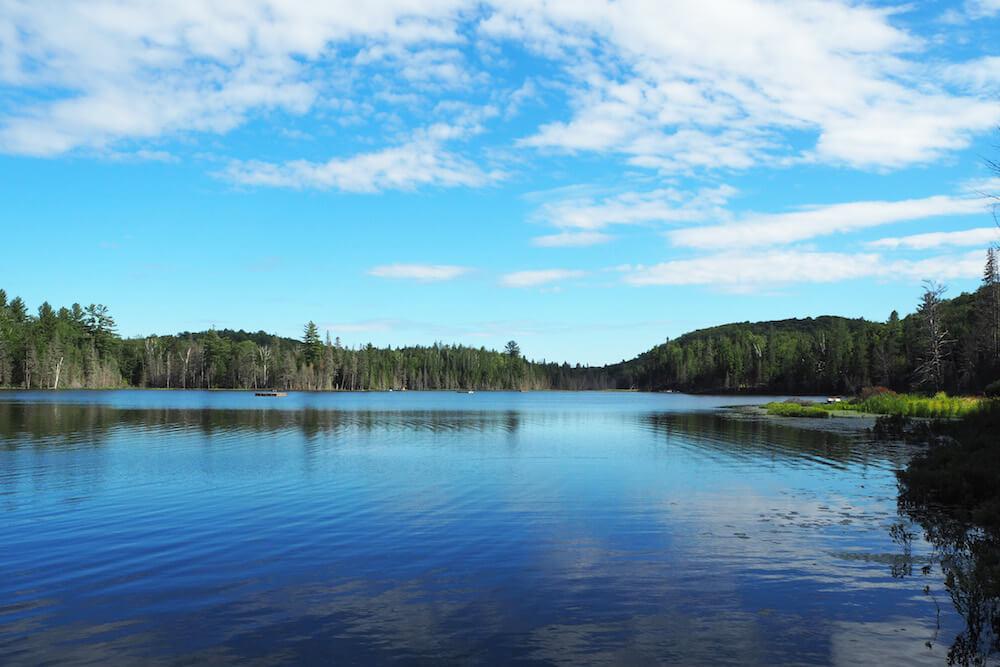 Vue du Lac Piché en été, Sainte-Marguerite-du-Lac-Masson